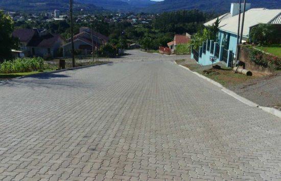 Pavimentação realizada em várias ruas do bairro Matiel na cidade de Feliz - RS